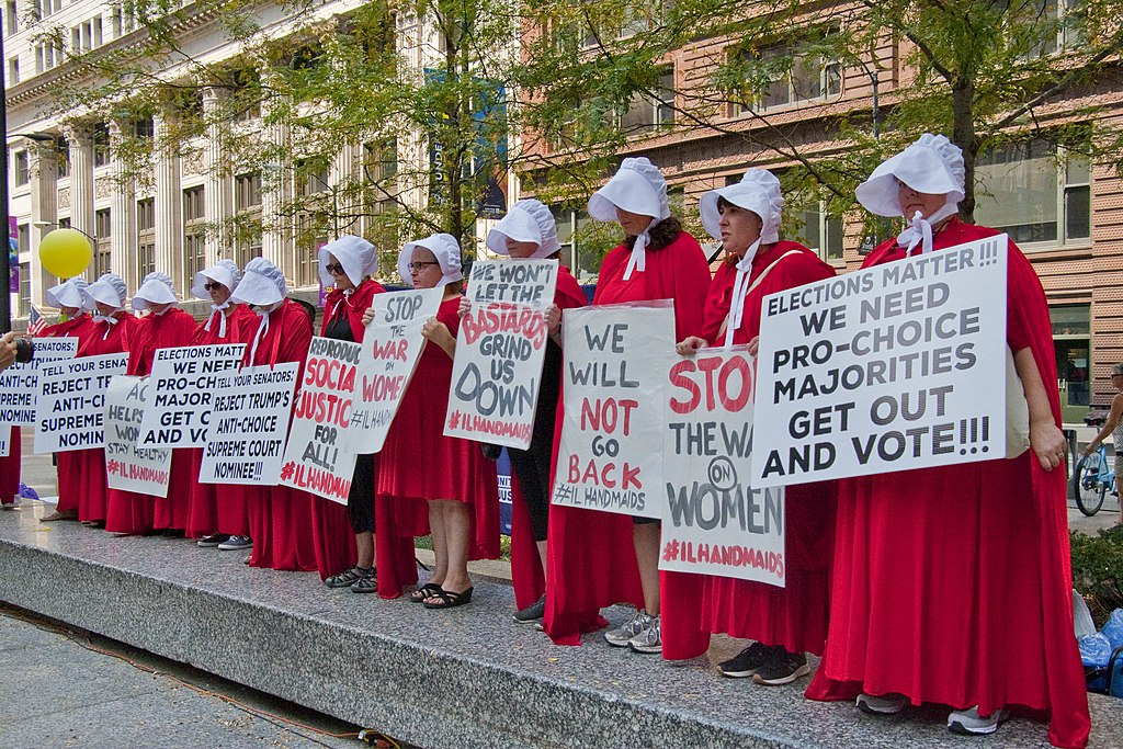 1024px Illinois Handmaids Stop Brett Kavanaugh Rally Downtown Chicago Illinois 8 26 18 3437 42505508810 - Alabama Bill Compares Abortion to Holocaust, Would Sentence Women to Up to 99 Years in Prison